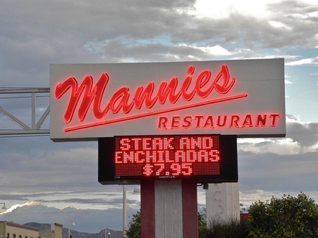 ManniesSign