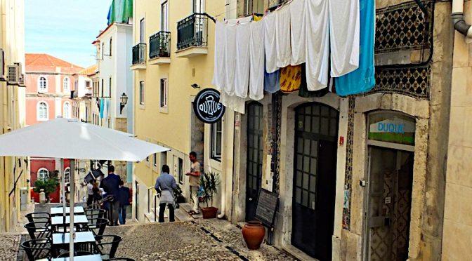 Beer walking in Lisbon
