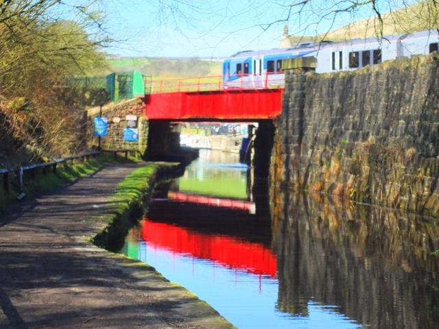 CanalWalk - DSCF2834.jpg