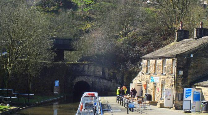 CanalWalk - DSCF2844.jpg