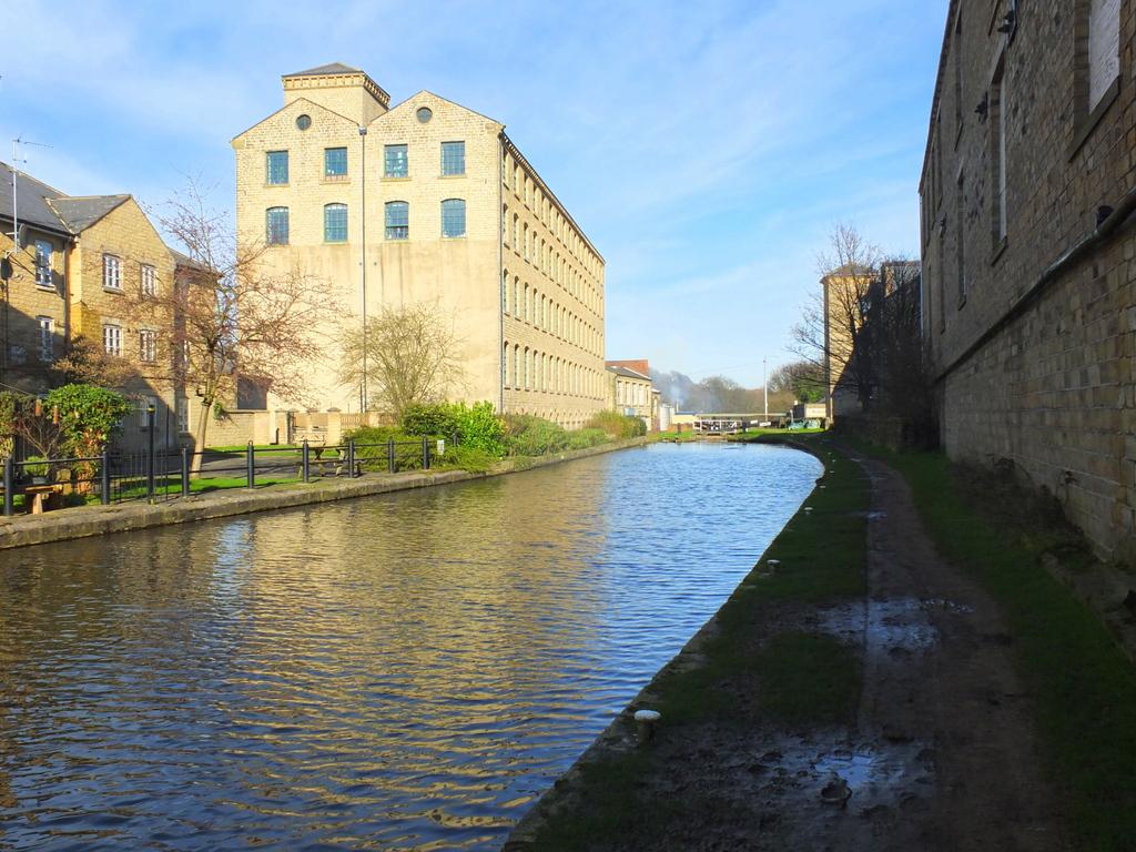 CanalWalk - DSCF2957.jpg