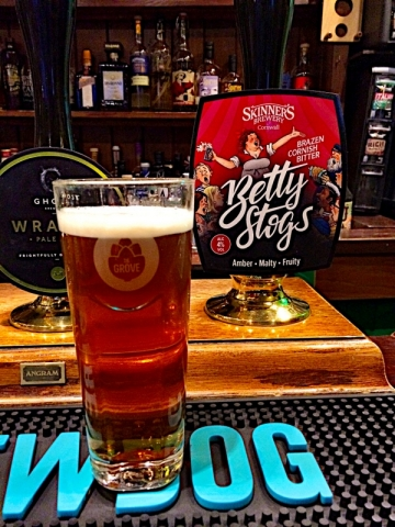 Skinners Betty Stogs at the Grove (Cornwall Brewery)