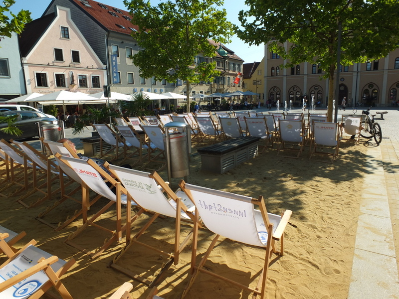 a patch of beach in front of the Urbanus Brewery in Pfaffenhofen