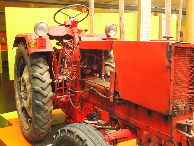Hopfenschlepper (vintage hops tractor)