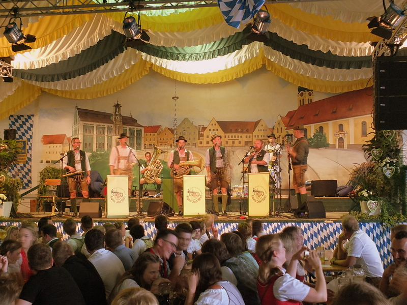 Hallertauer Volksfest - traditional music