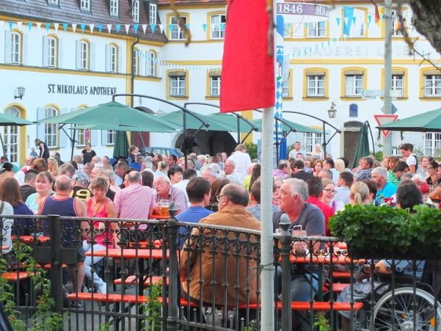 Burgerfest in Siegenburg -town square