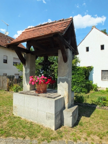 old well in Stiebarlimbach