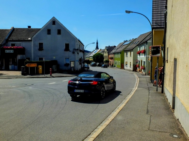 Neuhaus street