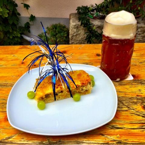 Zoigl and onion cake at Zoiglstub`n beim Meislbeck