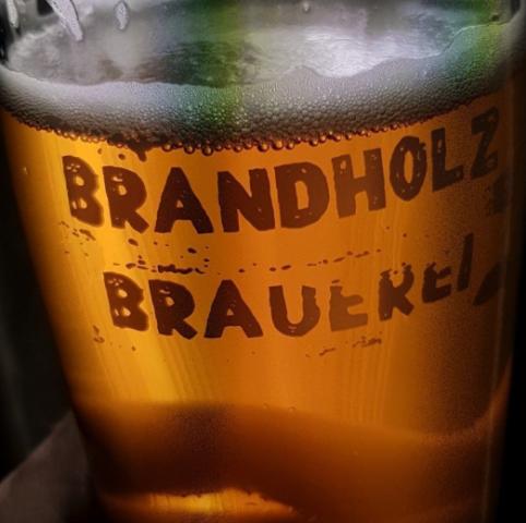 Brandholz Golden Brown - image by Saul G.