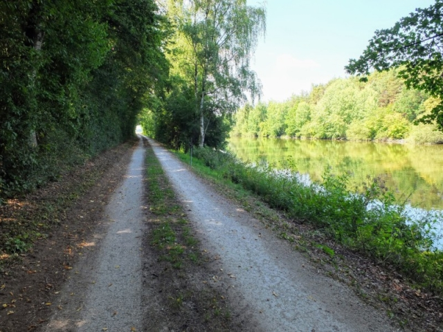Path Along the  Rhine–Main–Danube Canal