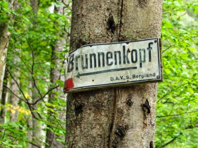 approaching Brunnenkopf hut