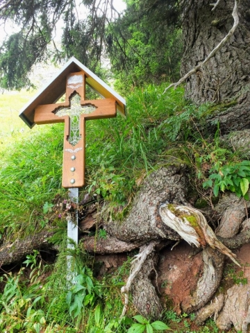 trailside shrine