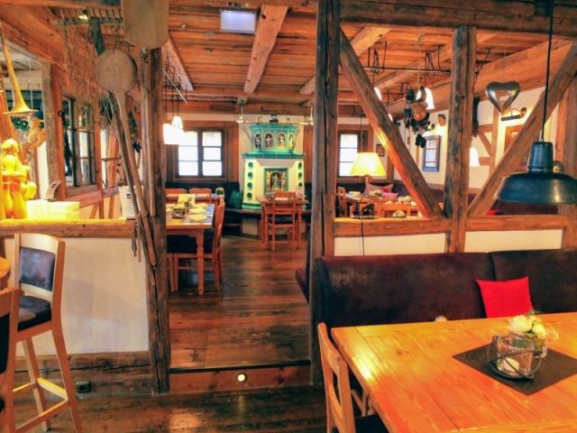 Maxbrau pub