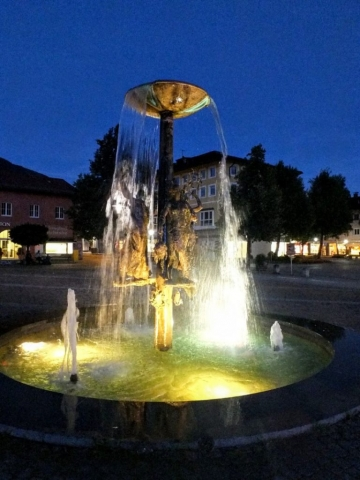 Richard Strauss fountain in the gloaming