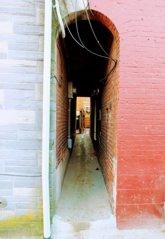 passage-way between houses