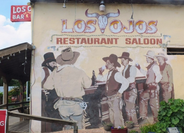 Los Ojos saloon