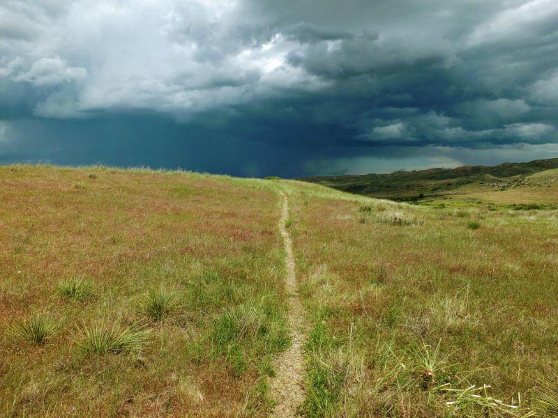 trail to horizon