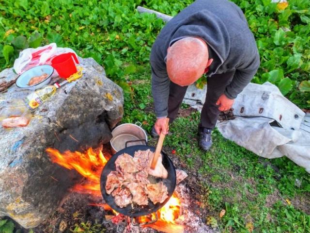 Feka grilling dinner
