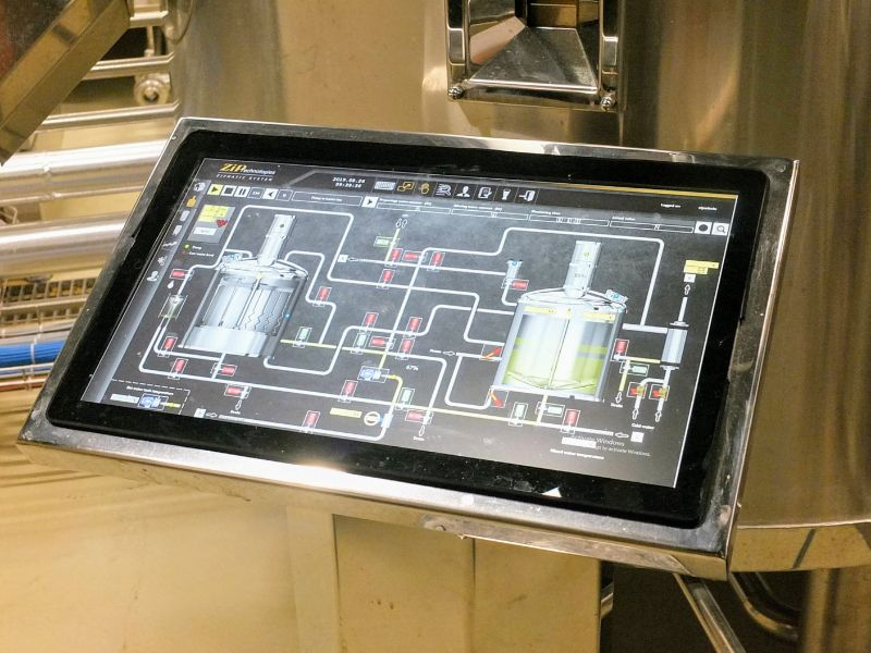 Mammut Pivo brew house control panel