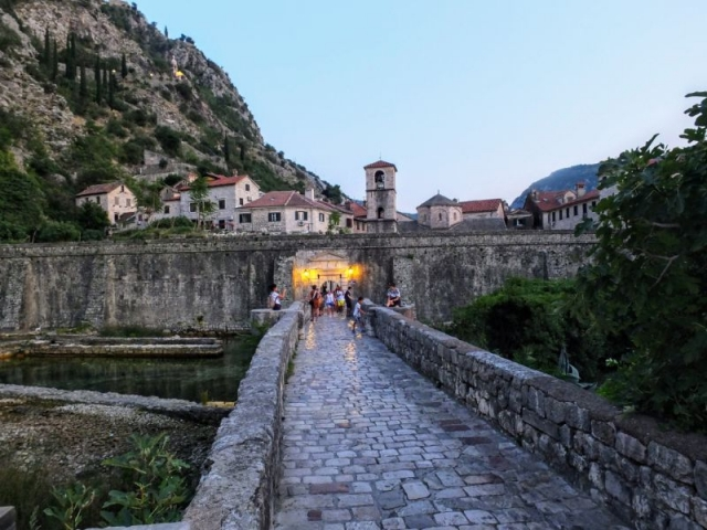 bridge to old town