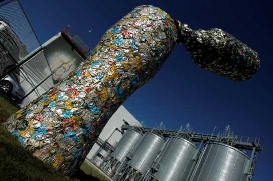 Beer can art at Trebjesa Brewery (image by vesti-online)