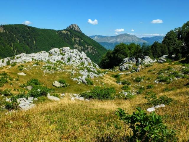 climbing toward the Volusnica summit
