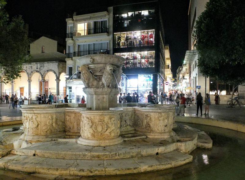 Morosini fountain in Lions Square
