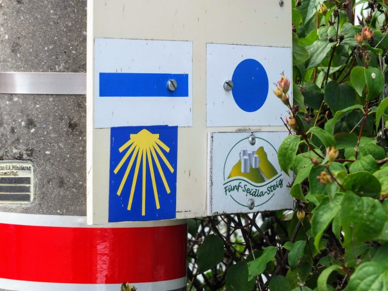 Camino Santiago trail marker