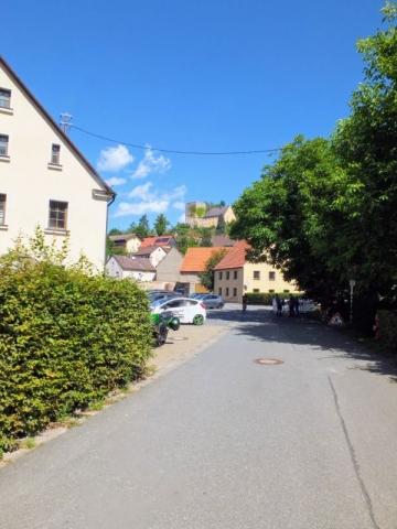 entering Thuisbrunn
