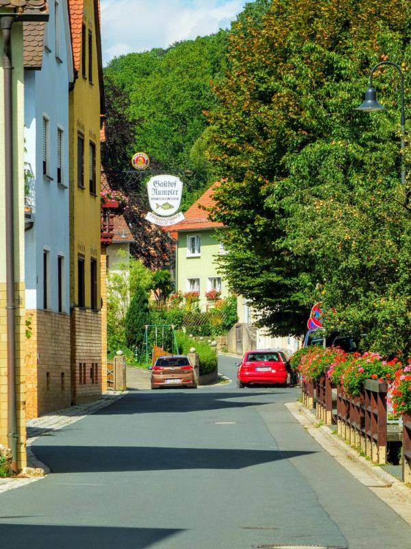 main road into Leutenbach