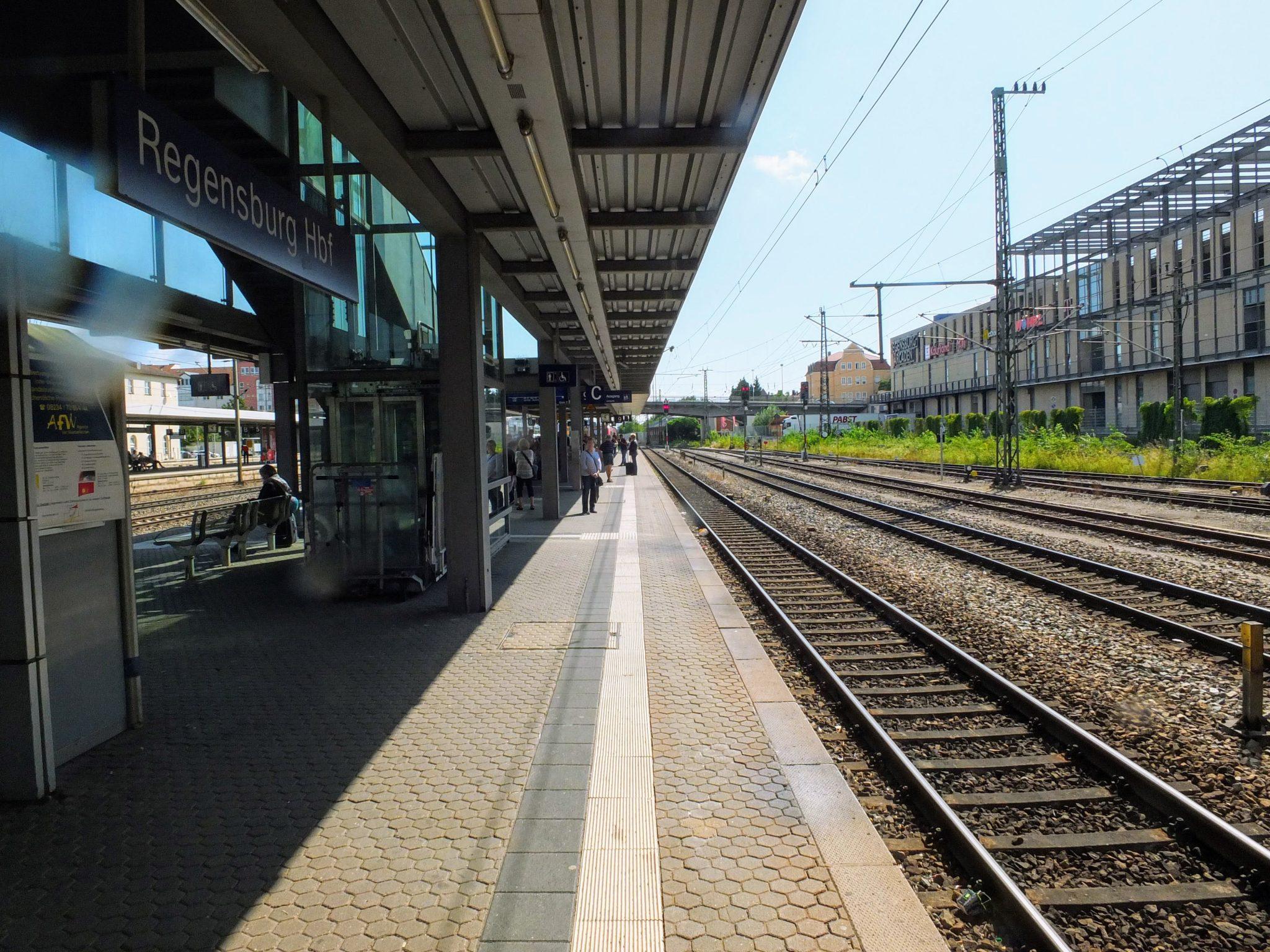 Changing trains for Straubing at Regensburg