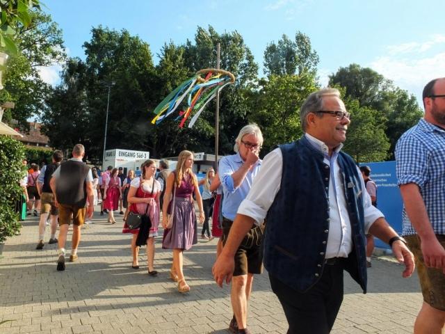 entering Gäubodenvolksfest