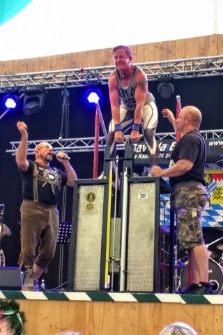 Stoalupfa - Uli Ertl, women's world champion in stone lifting