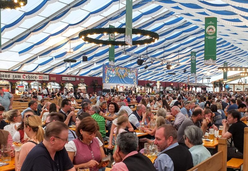Freising Volksfest beer tent