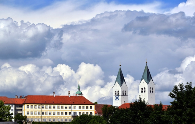 """Freising Cathedral """"am Dom"""" - image by ER Bauer"""
