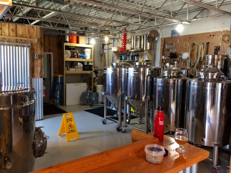 Ten Bends brewery and taproom