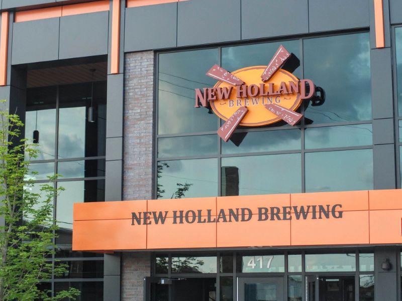 New Holland Knickerbocker Hall