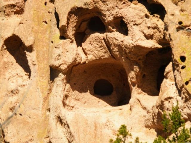 niche in cave