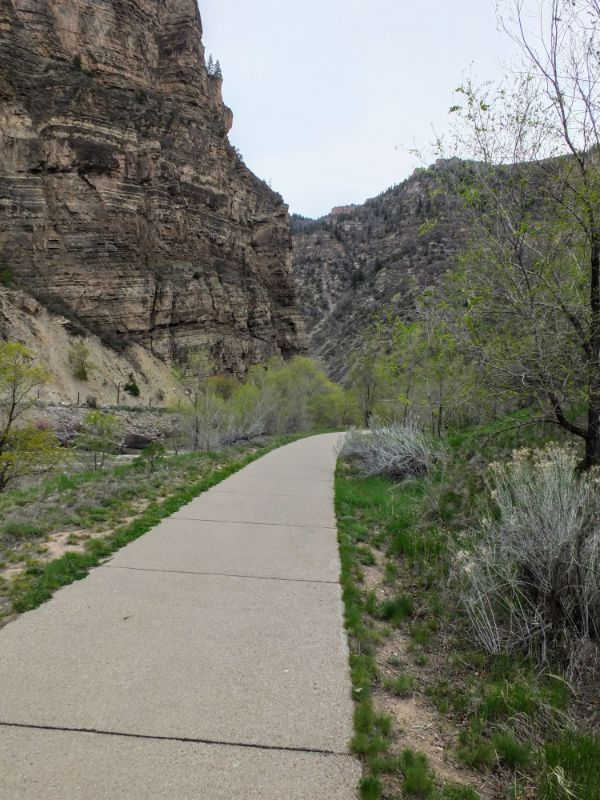 trail into Glenwood Canyon