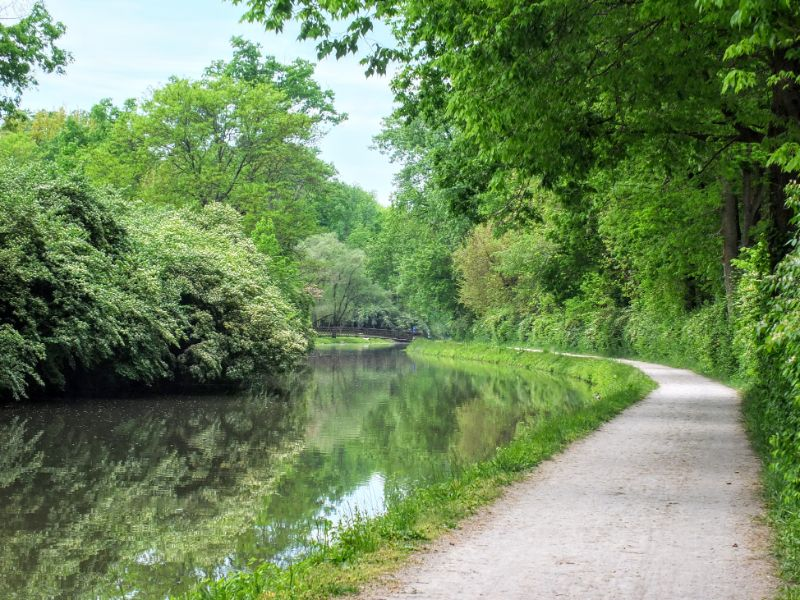 Central Canal Towpath