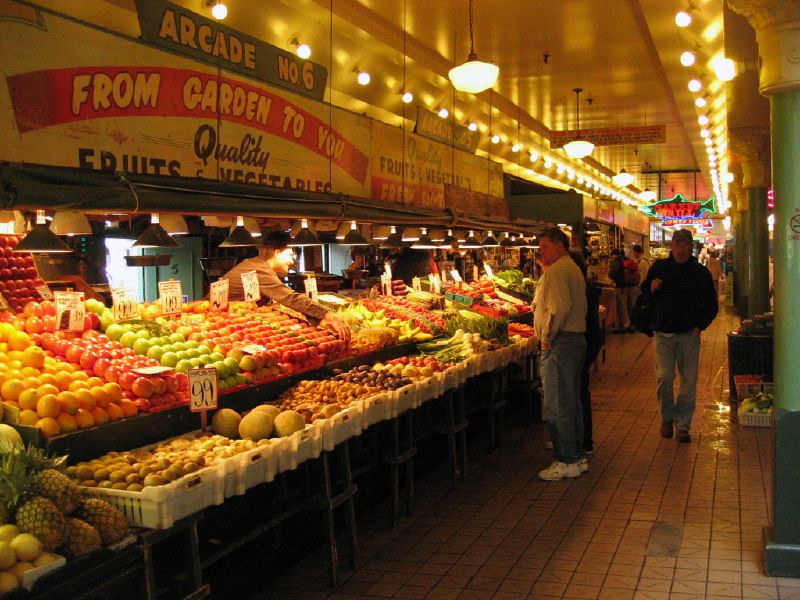 Pike Place Market (downtown) - image by Walter Parenteau