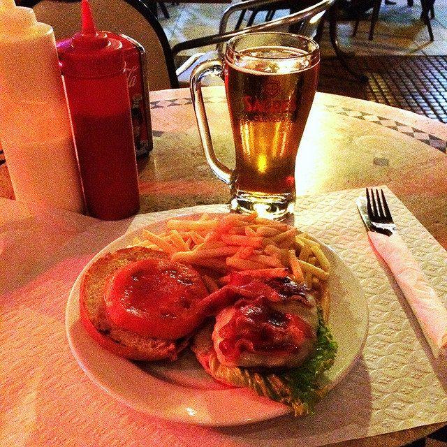 Sagres and a burger at the City Pub - Santa Maria Island
