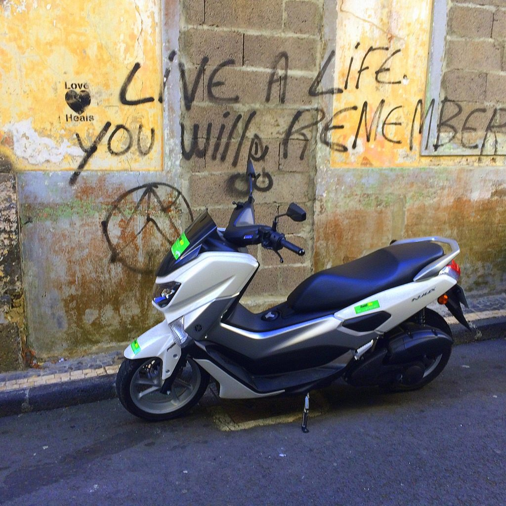 Azores Impressions - scooter