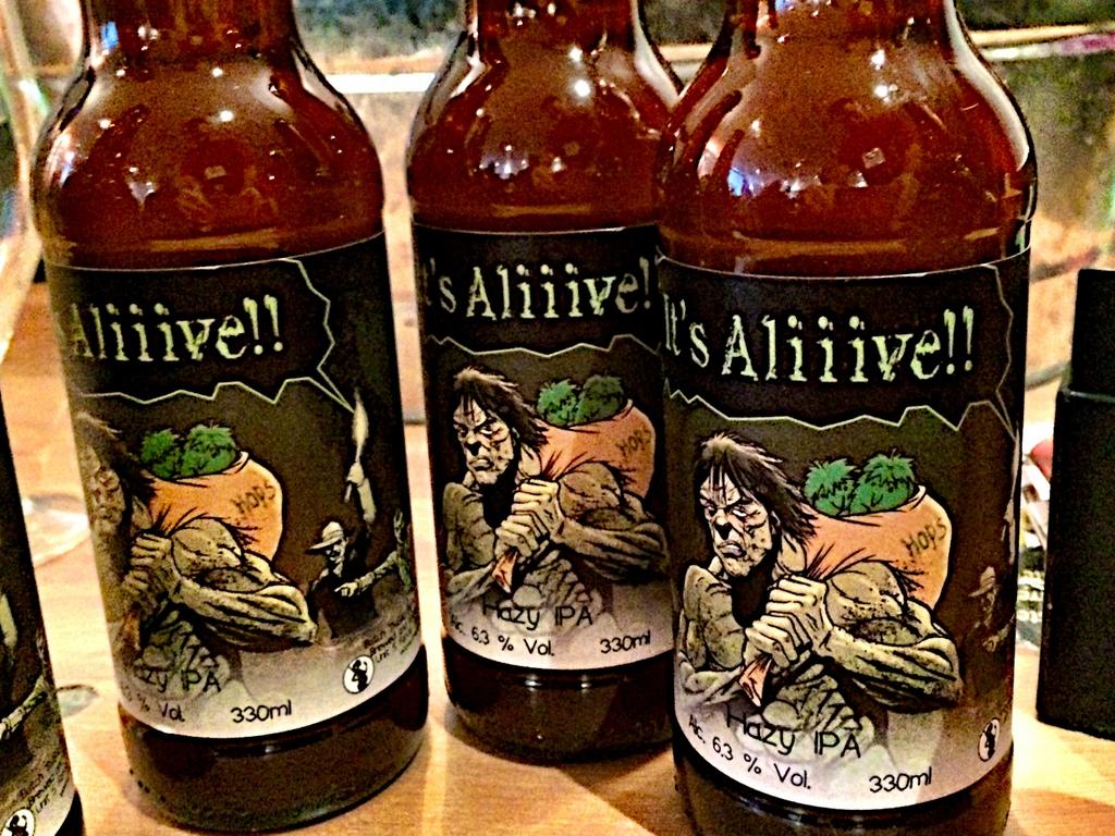 Live beer blogging - It's Alive Hazy IPA