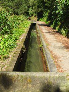 trail along aqueduct