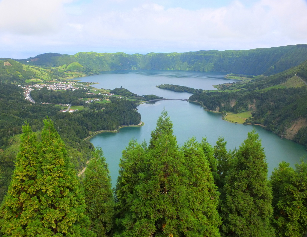 Caldeira Seca and Sete Cidades lakes