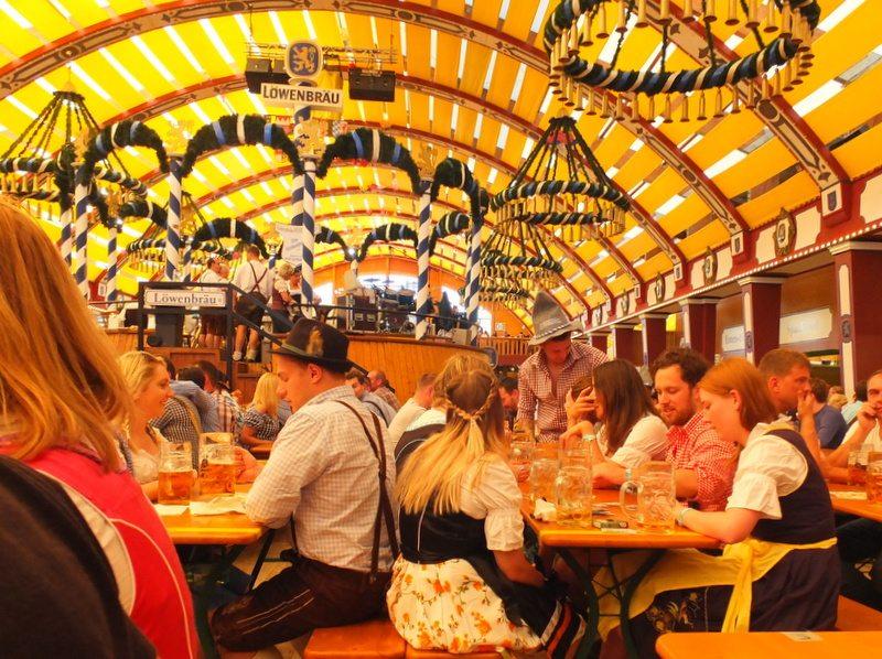 Oktoberfest - DSCF8673.jpg