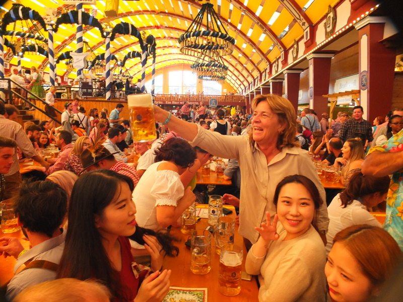 Oktoberfest - DSCF8695.jpg