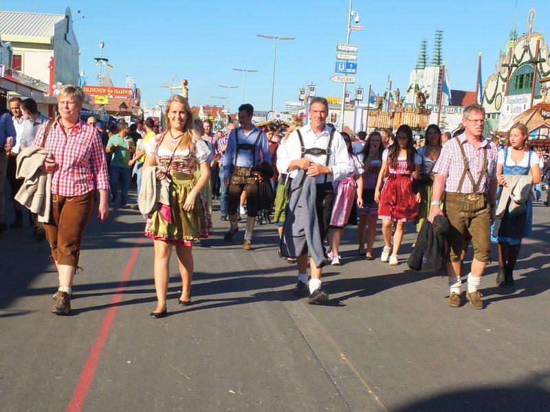 Oktoberfest - DSCF8710.jpg